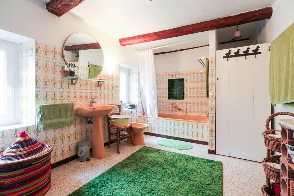 Goult Summer Rental Luberon Provence Hameau Bathroom