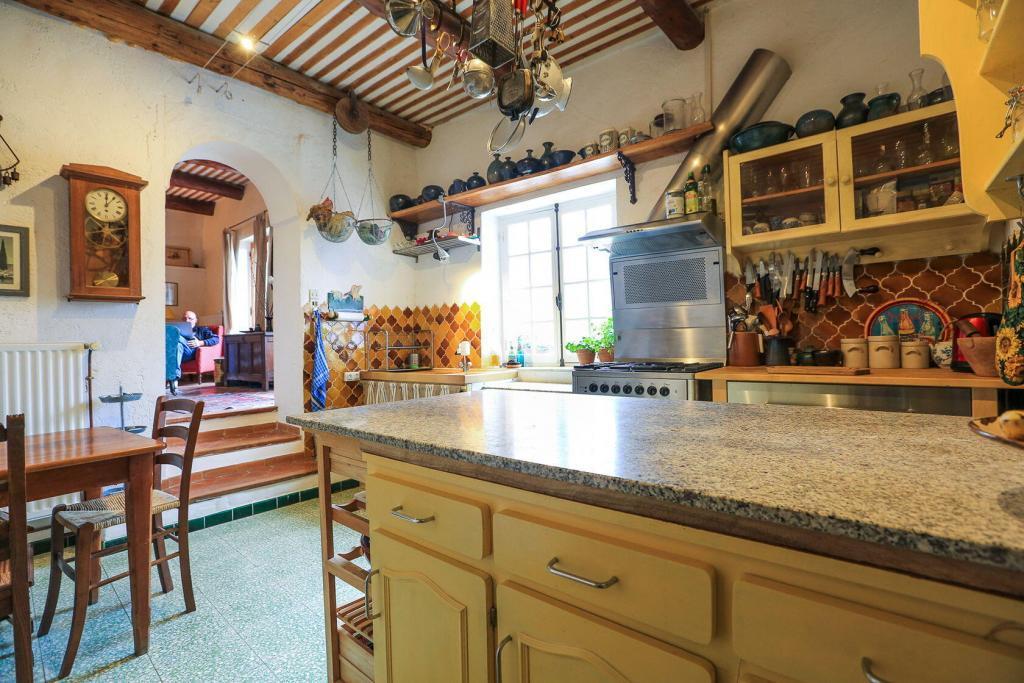 Goult Summer Rental Luberon Provence Hameau Kitchen