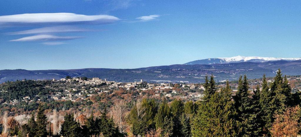 Goult Summer Rental Village views Luberon