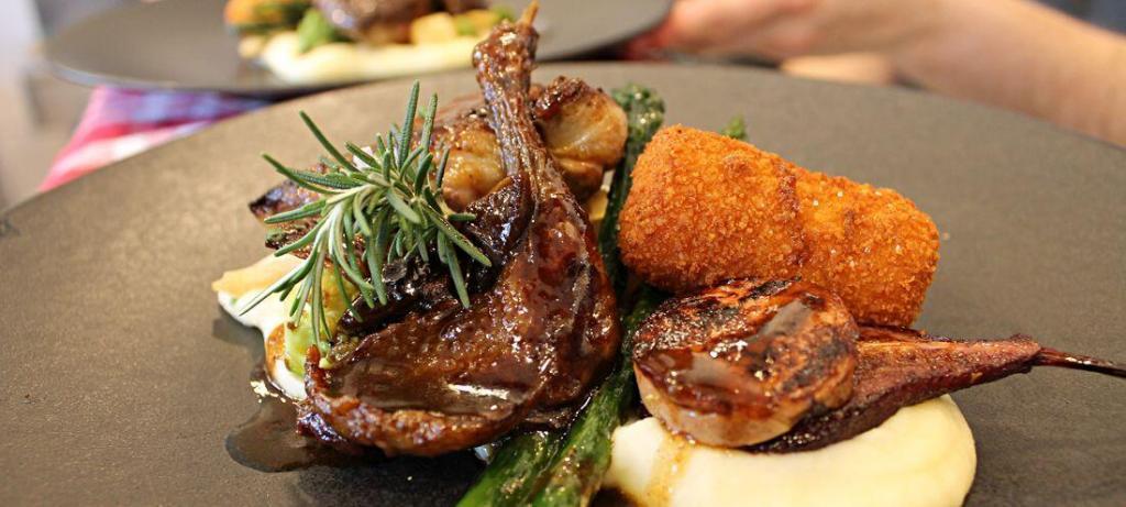Clos St Roch Duck Dish Maussane Restaurants