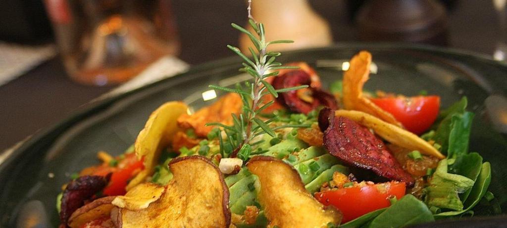 Le Clos St Roch salad Maussane Restaurants