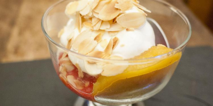 Peche Peach Melba Served