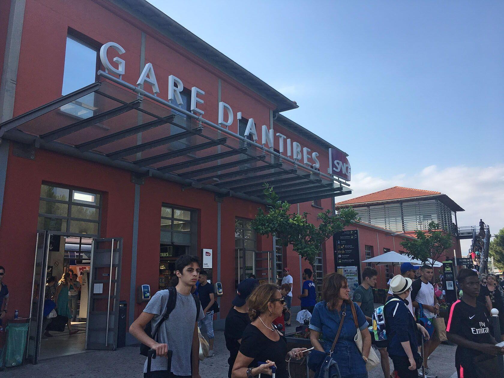 Destination Antibes French Riviera Gare