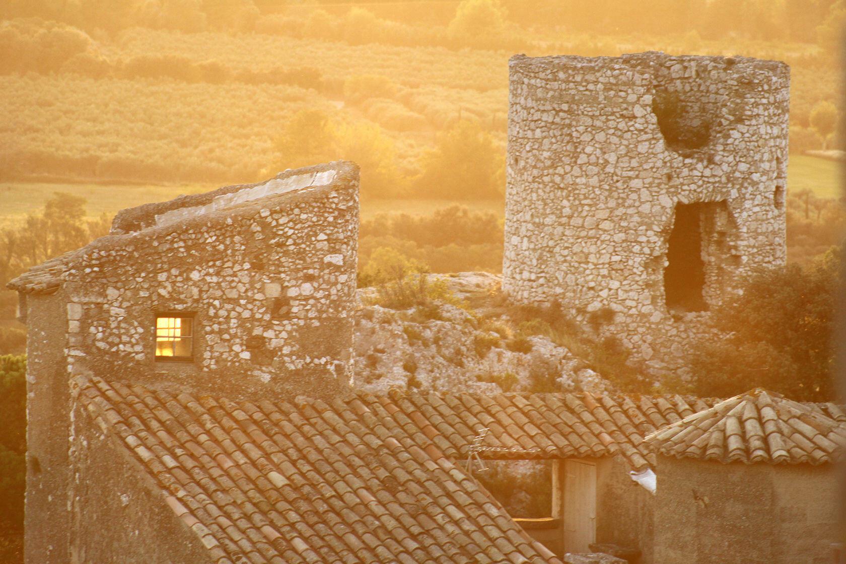 Eygalieres Vieux Village Sunset