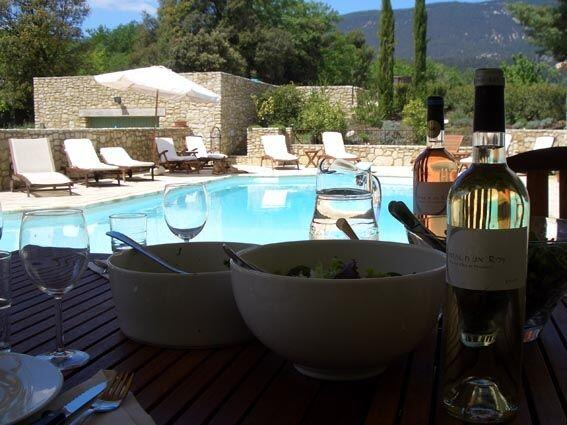 Provence Holiday Home Owner Poolside dining