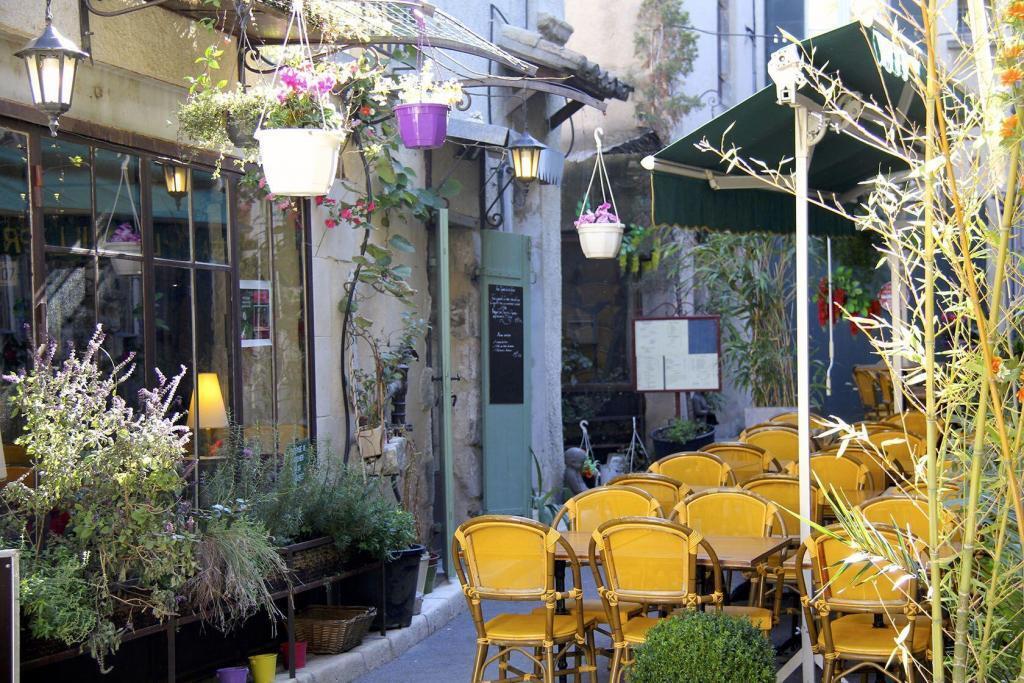 Visit Saint Remy de Provence Old Town