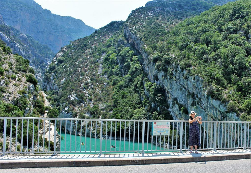 Visiting Var Kids Summer Gorges du Verdon near Quinston