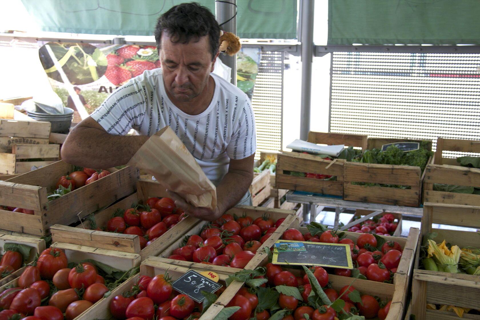 Nice Liberation Market Fresh Tomatoes