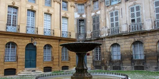 Living Aix-en-Provence Place d'Albertas