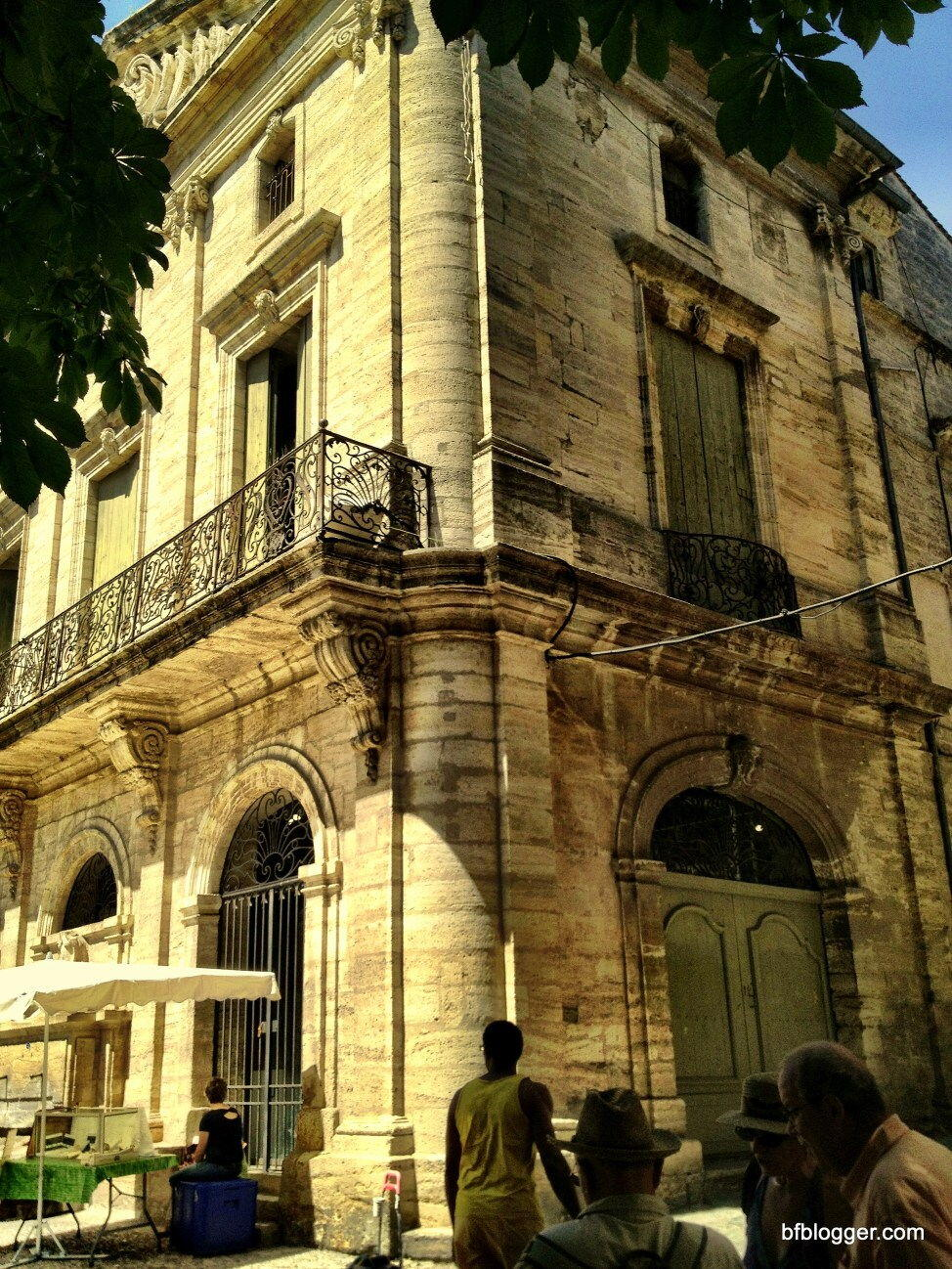 Pézanas l'Occitanie Architecture