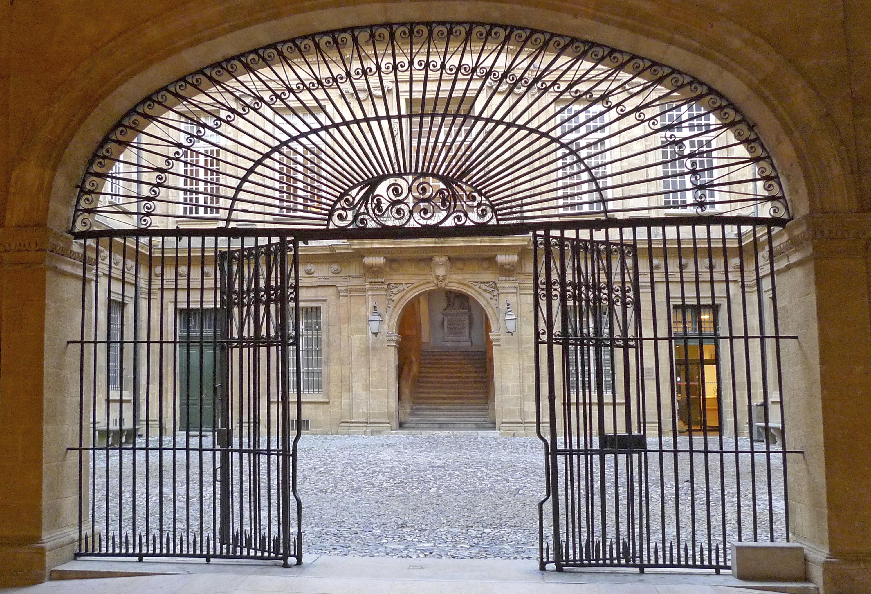 Aix-en-Provence Hotel de Ville