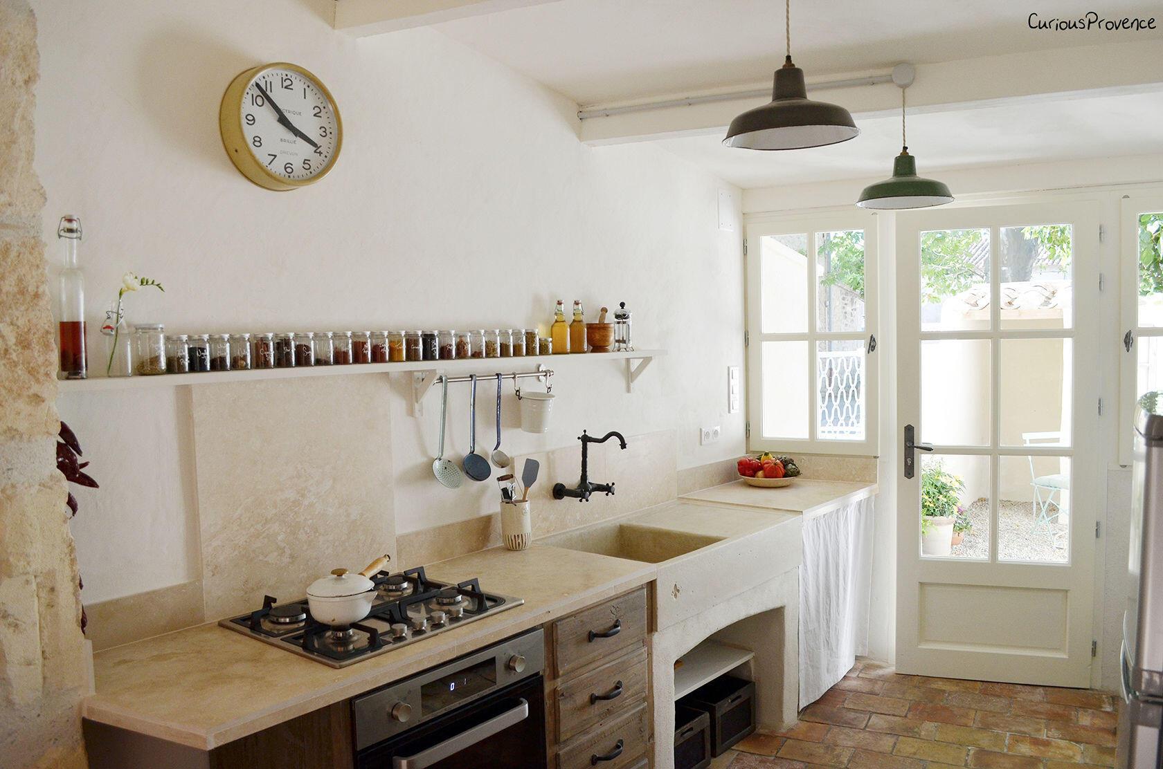 Pied-à-Terre Maussane Alpilles kitchen