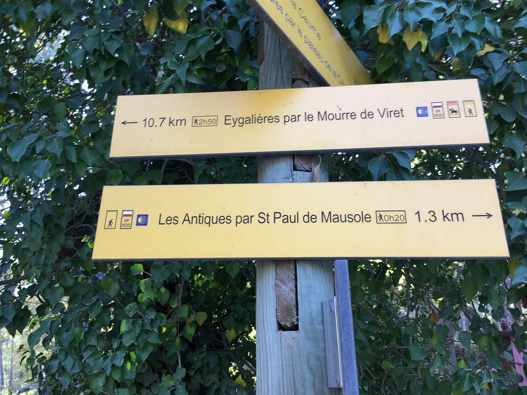 Alpilles Hiking Tips Trail Markers