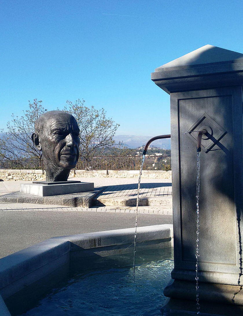 bronze tribute to Picasso Mougins