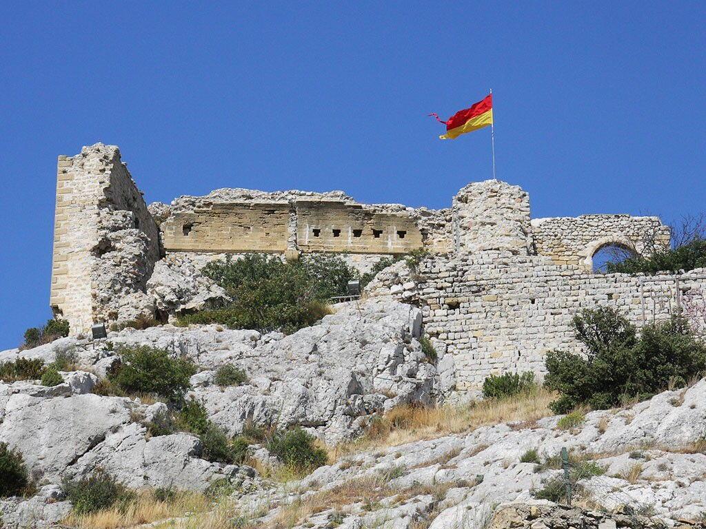 Chateau Aureille Alpilles Castles Provence