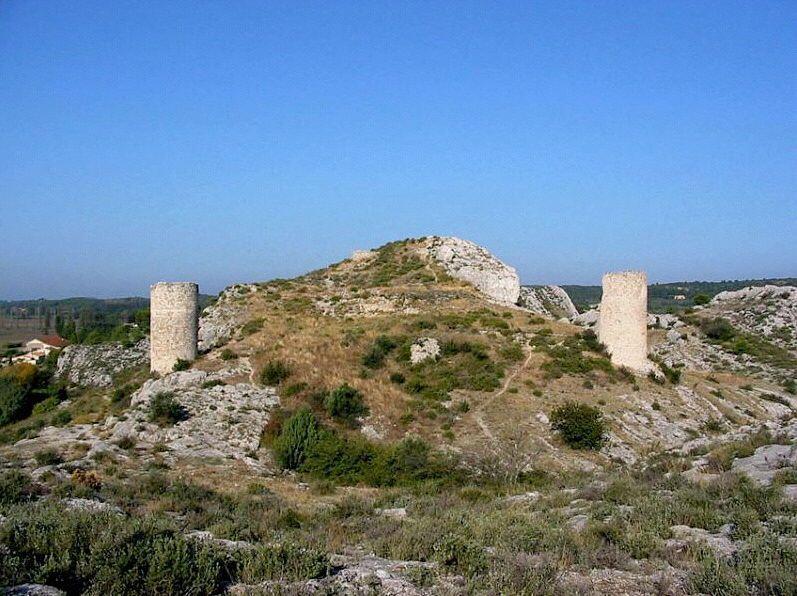 Chateau Tours-de-Castillon Provence Alpilles