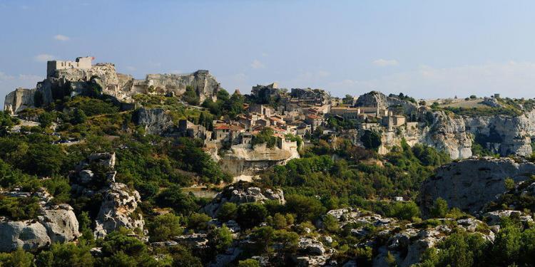 Guide Chateaux Alpilles Castles les Baux de Provence Guide Chateaux Alpilles