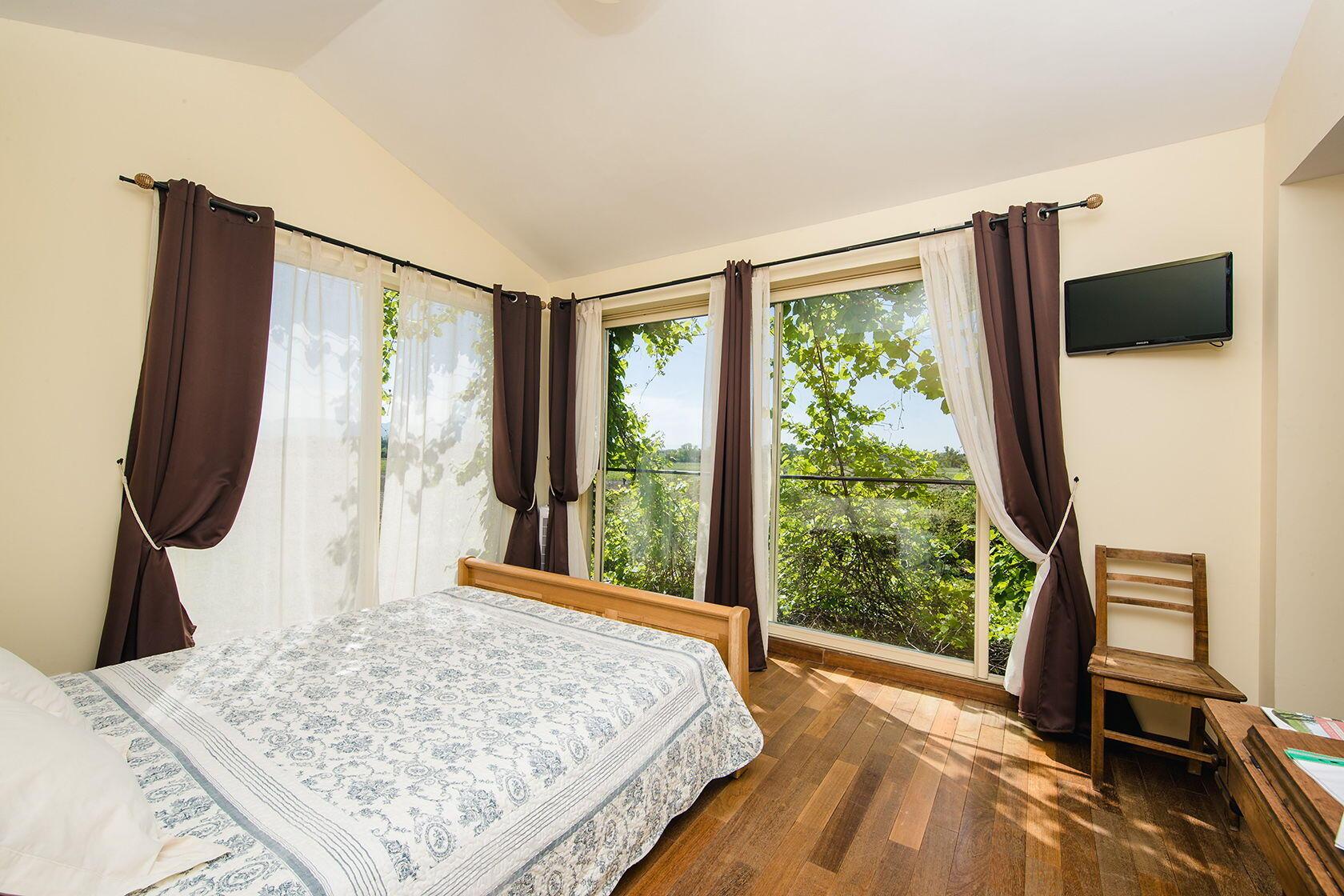 Domaine Rouge-Bleu Vineyard B&B Roussanne room