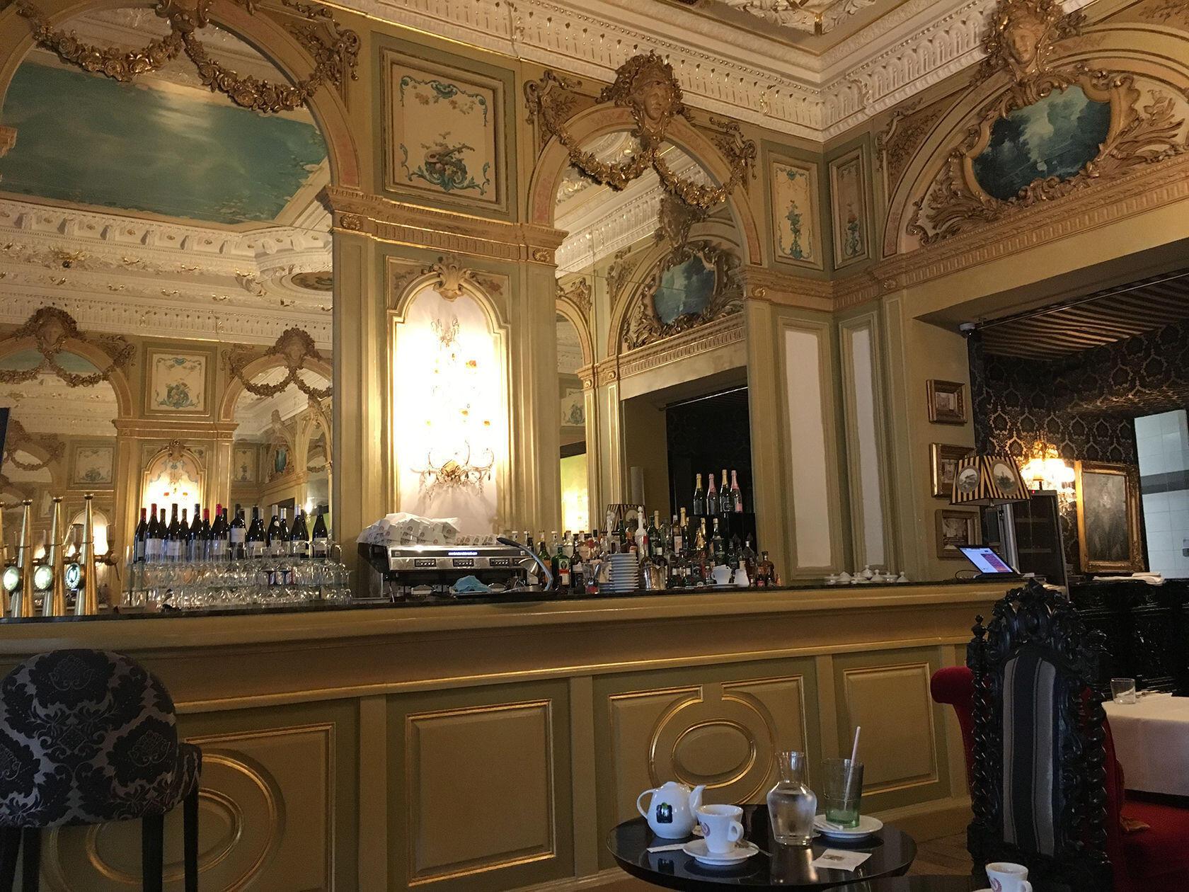 Nimes Bar Napoleon