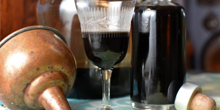 Nocino Liqueur de Noix Green Walnuts