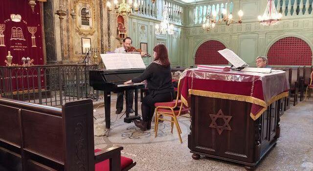 Visit Carpentras Synagogue