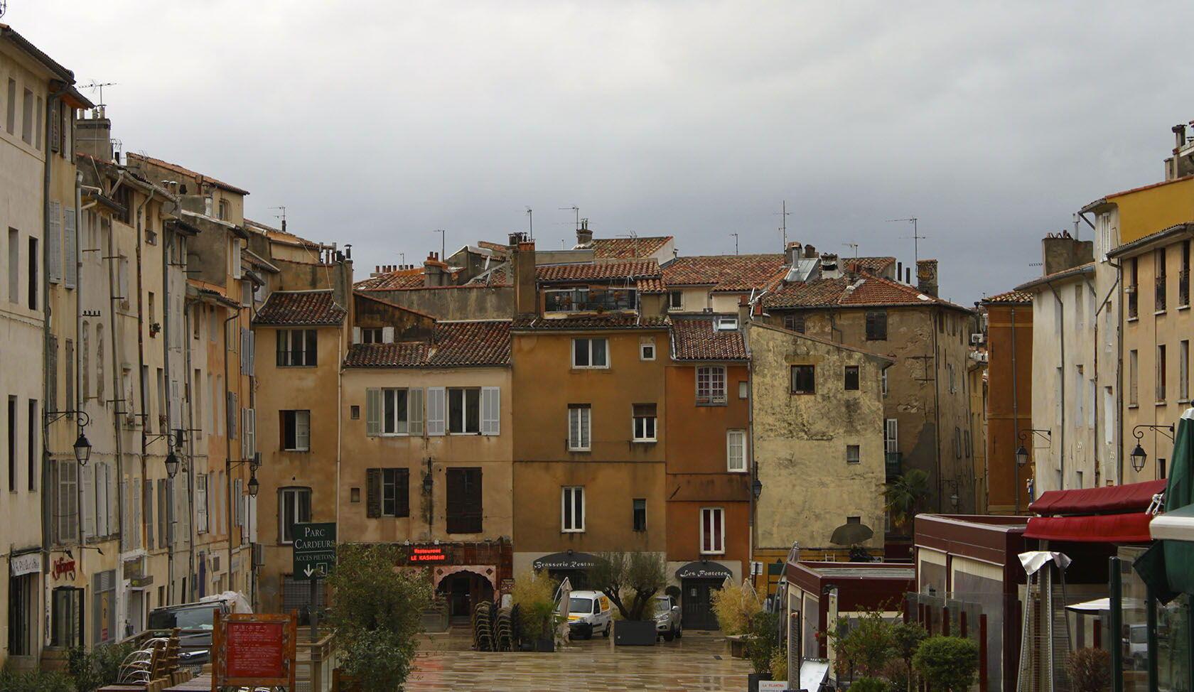 Aix-en-Provence Place des Cardeurs