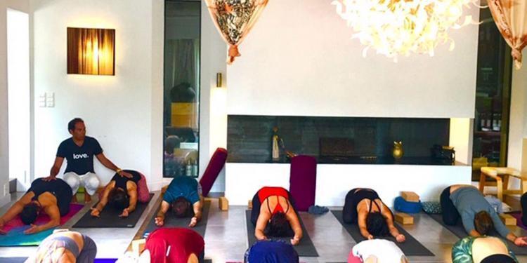 Pradeep Teotia Class yoga Provence Belle Vie