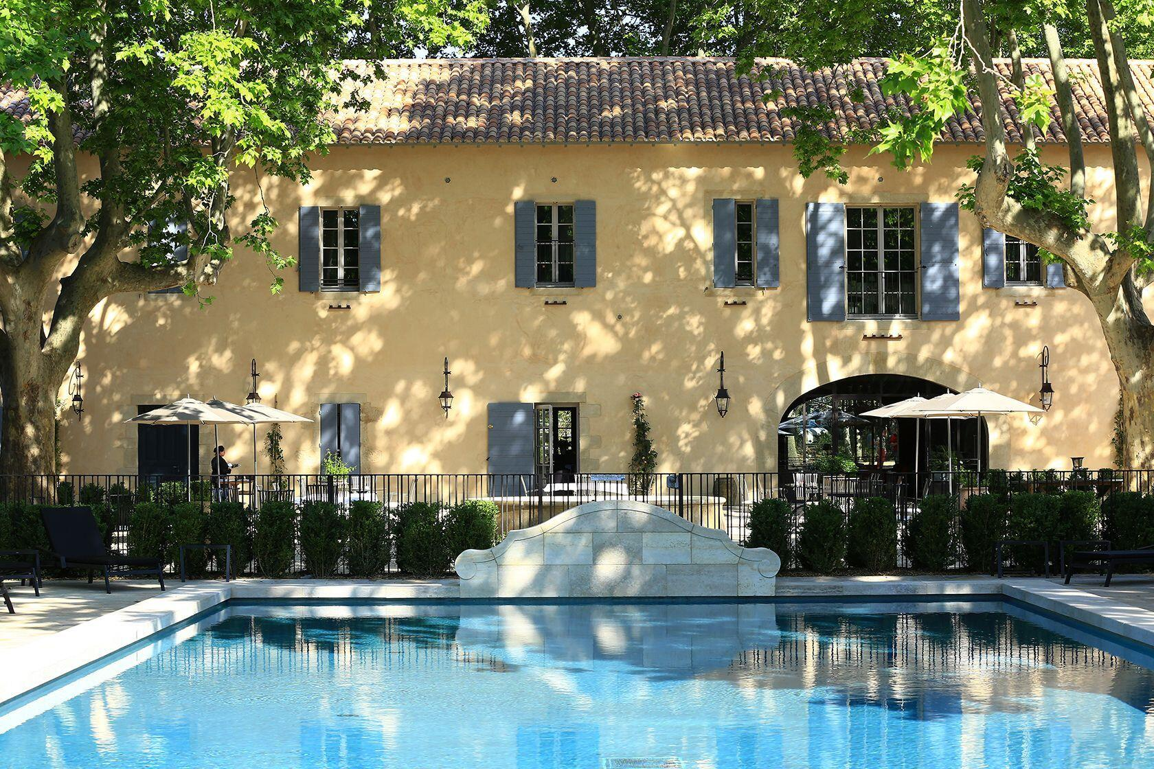 Domaine de Manville cour interieure Best Spas Provence Relaxing