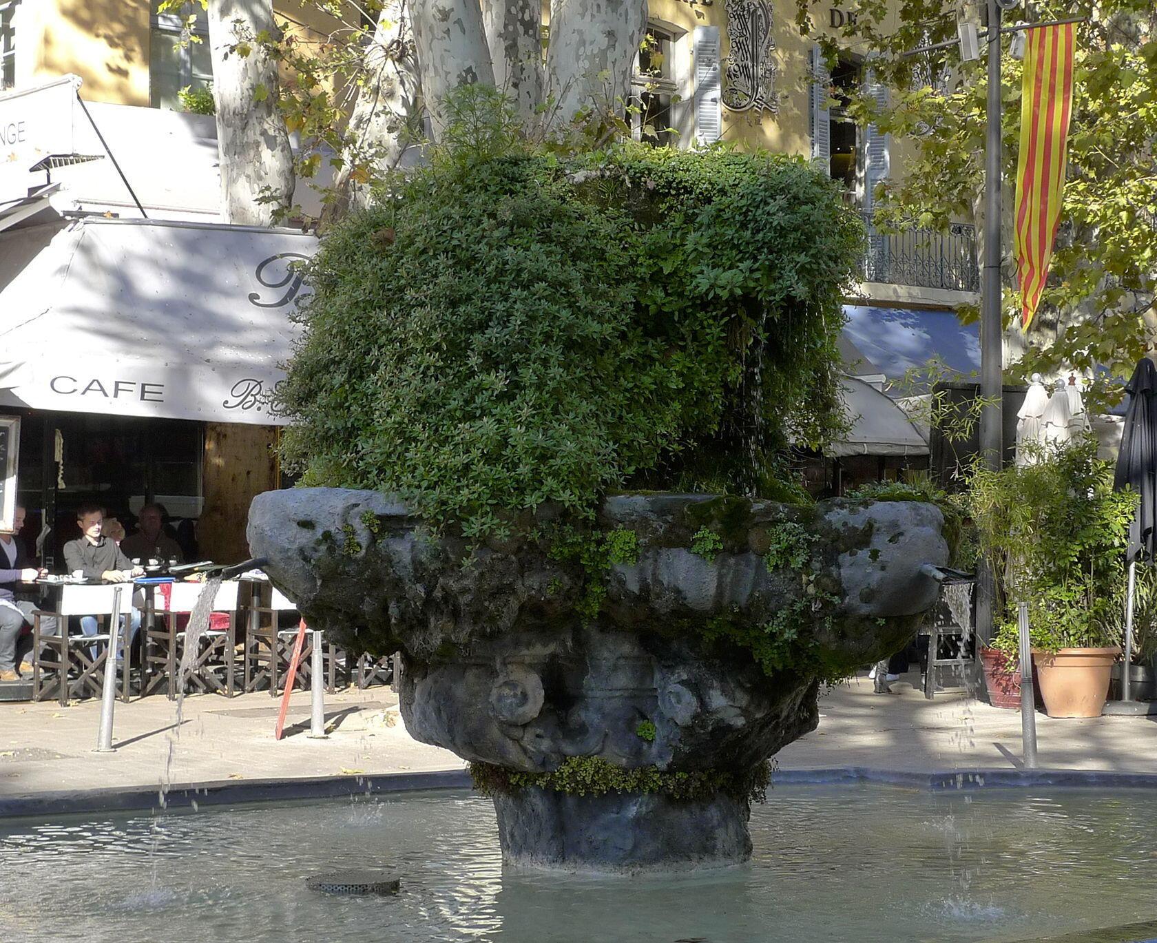 Fontaine des Neuf Canons Aix-en-Provence