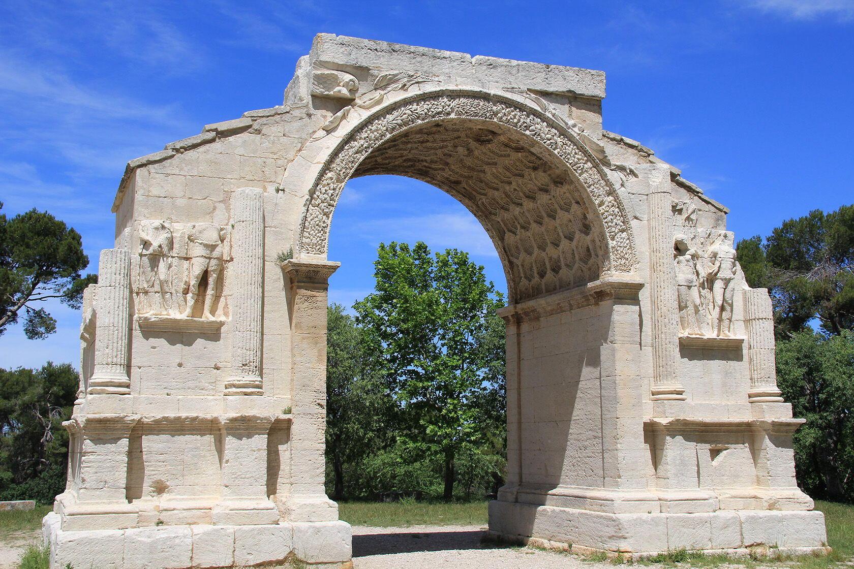 Glanum Roman Triumphal Arch Spend Day St-Rémy-de-Provence