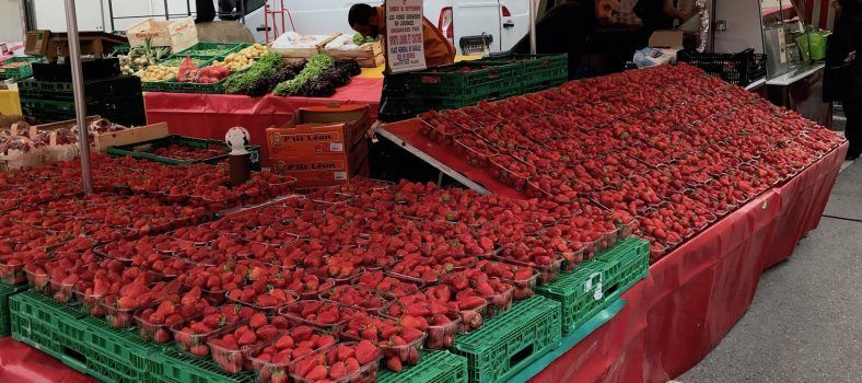 Market strawberries Spend Day St-Rémy-de-Provence Market