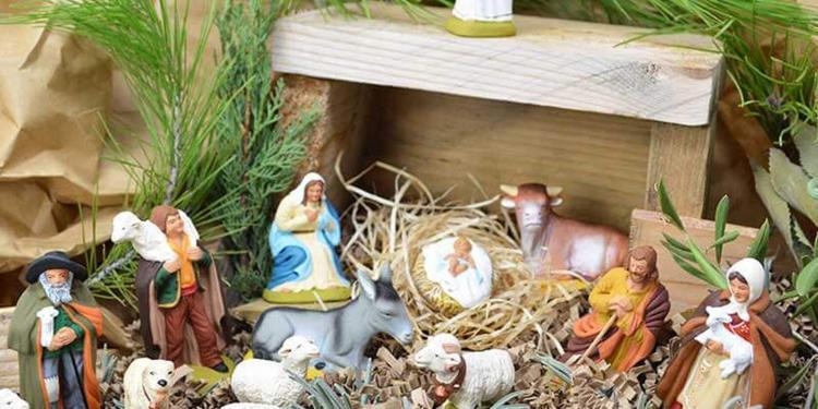 Santons Christmas Provence Creche Scene