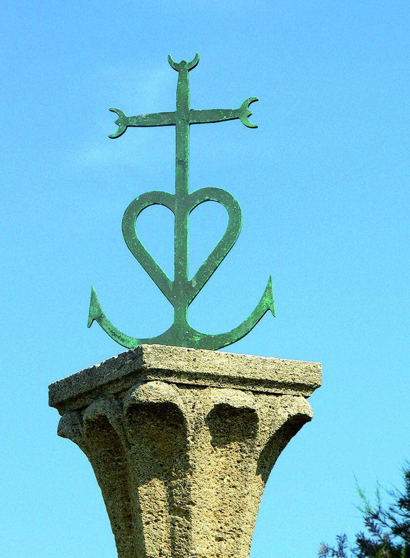 Camargue Cross croix gardiene Guides Discovering Secret Provence