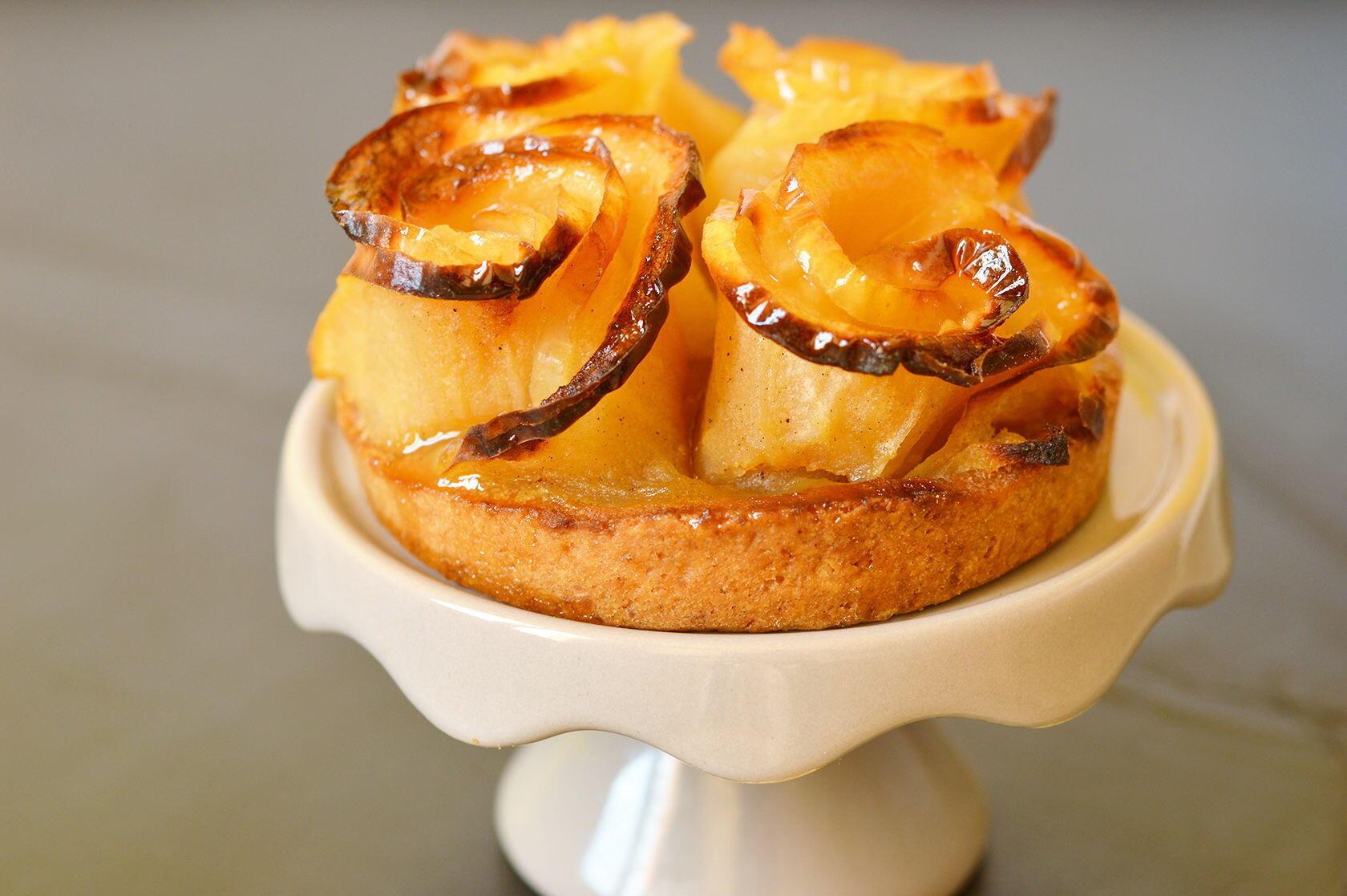 Puyricard Provence Rose tart (apple) Emil Bec Boulangerie