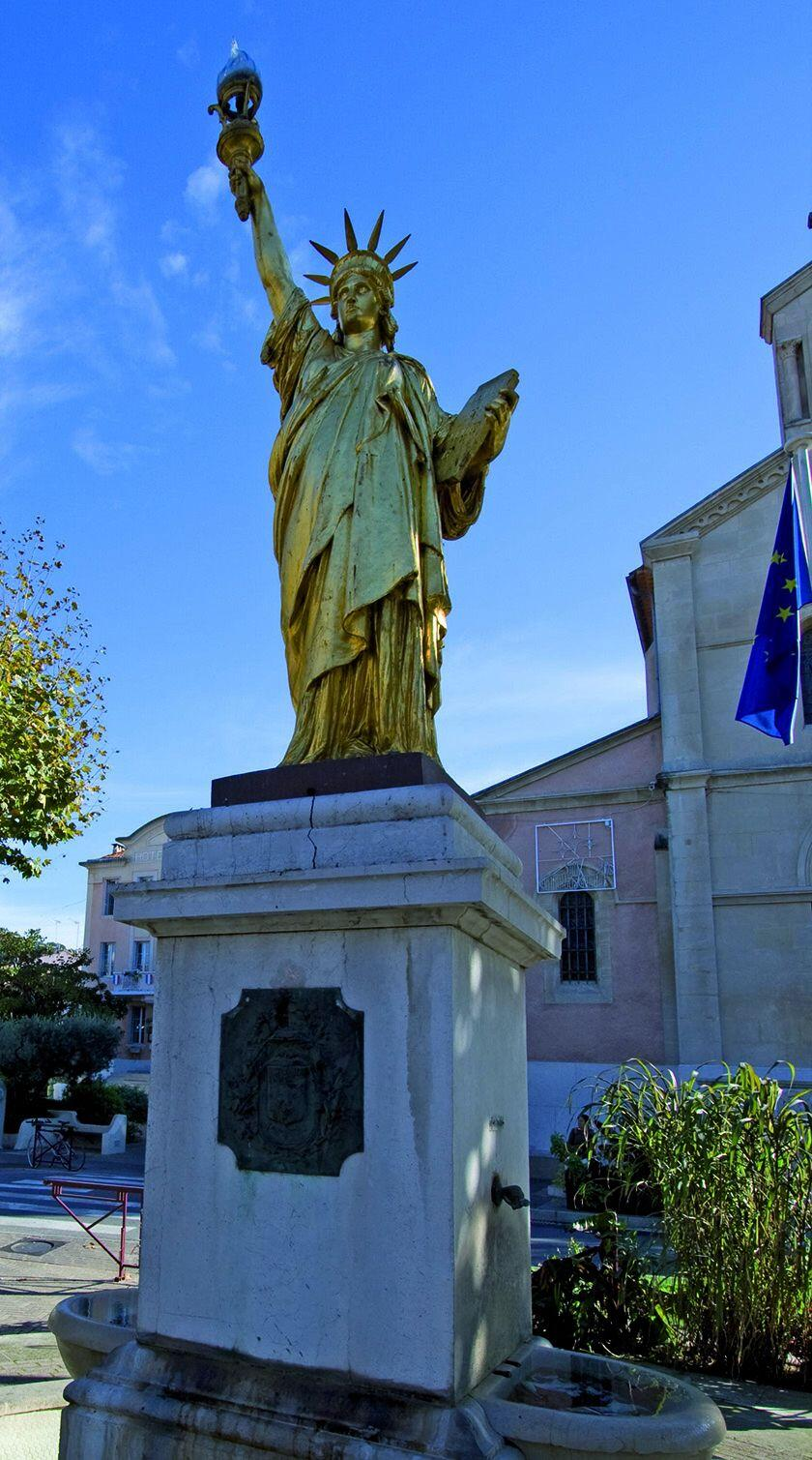 Statue of Liberty Guides Discovering Secret Provence