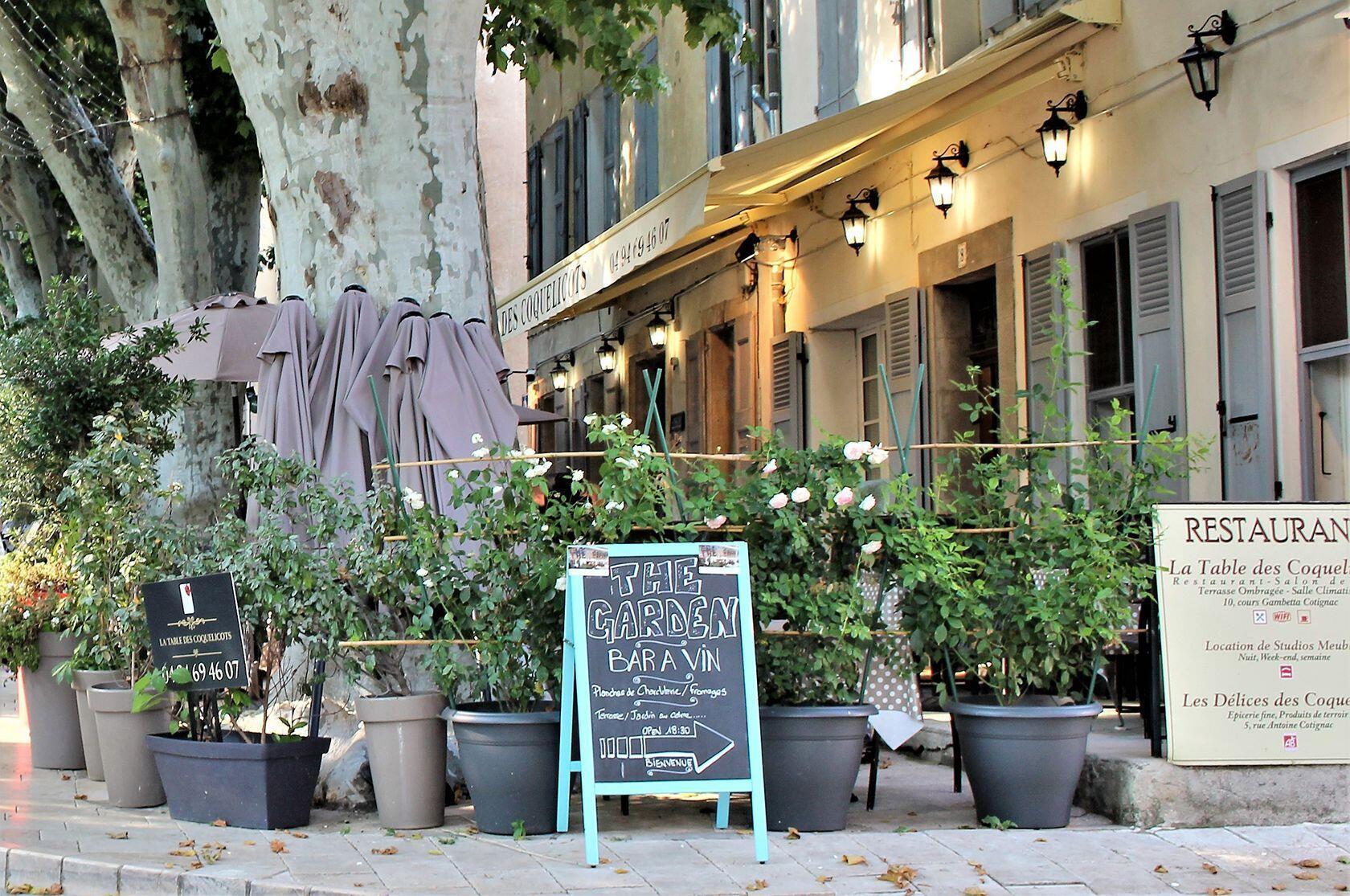 La Table des Coquelicots Restaurants Provencal Village Life Cotignac