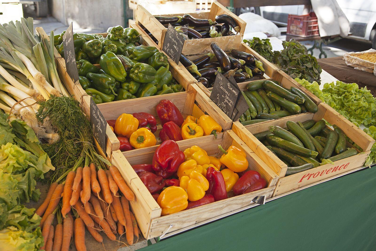 St Rémy Market Wednesday morning