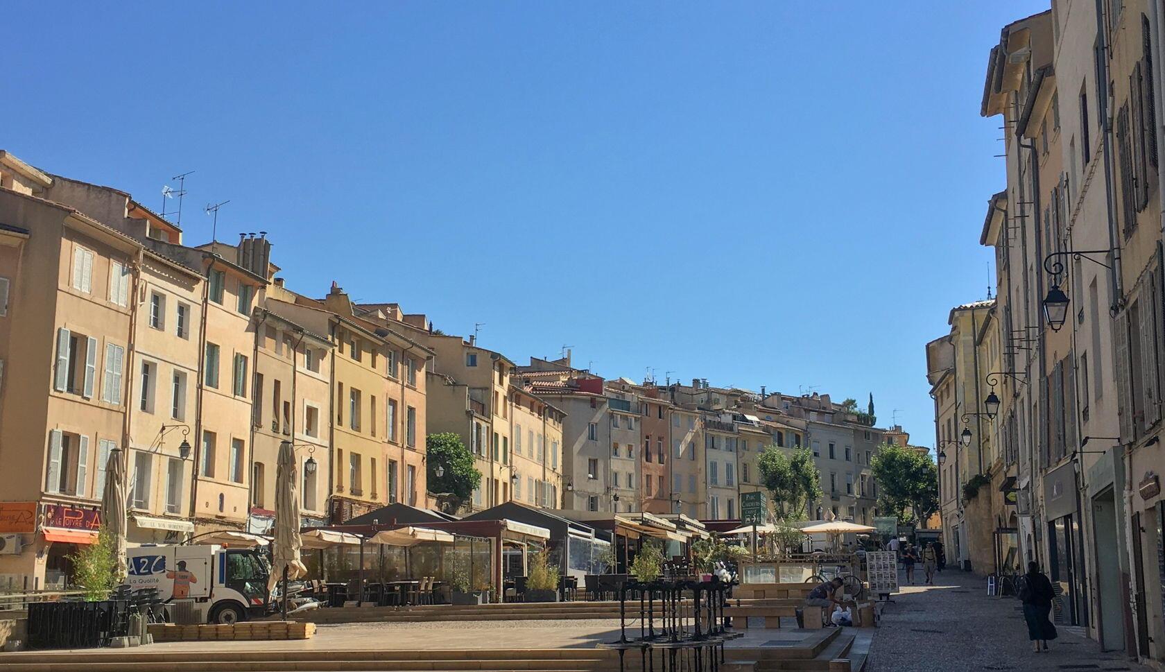 Places Discover Aix-en-Provence Favourite Cities Provence Place des Cardeurs
