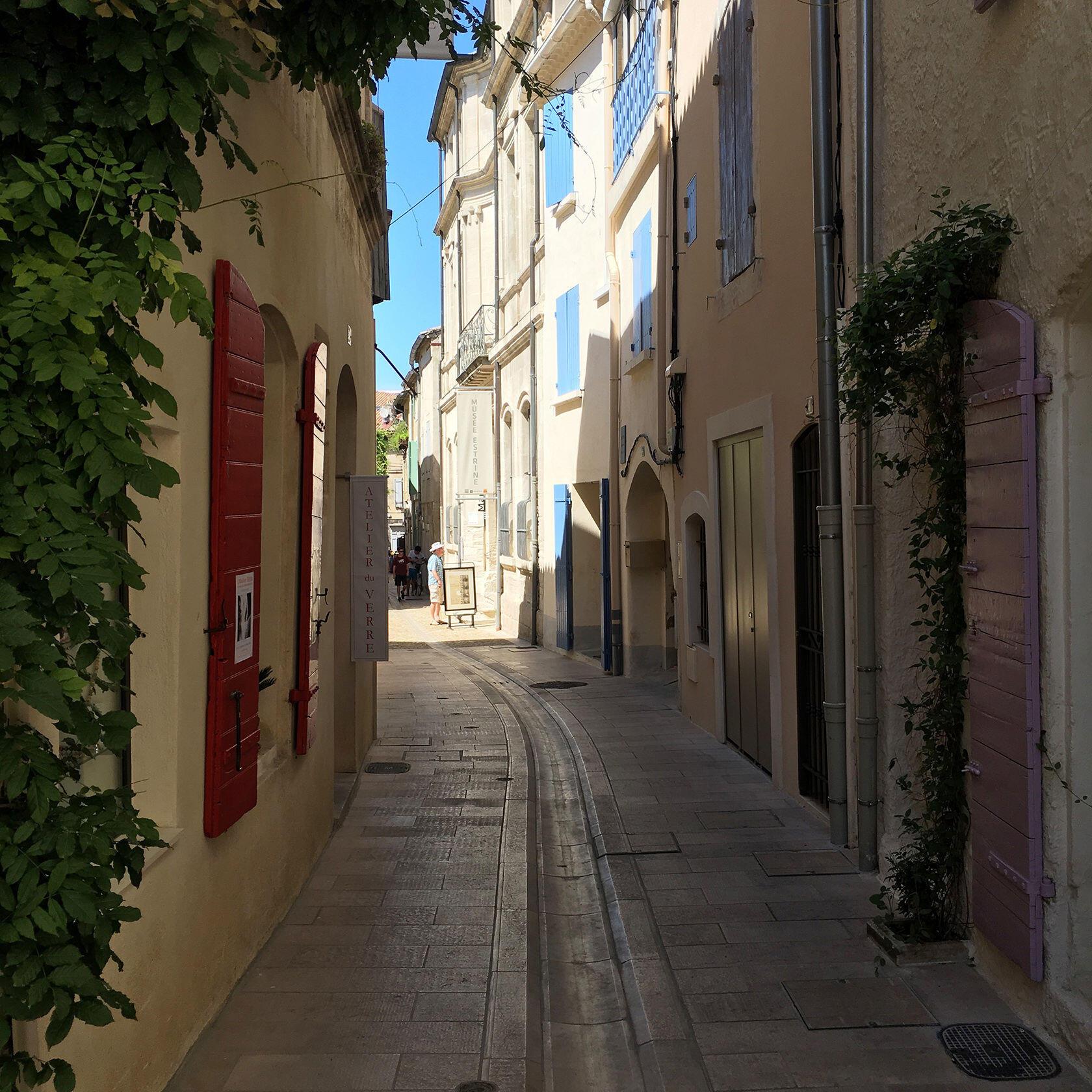 Streets of St Remy de Provence Living Alpilles