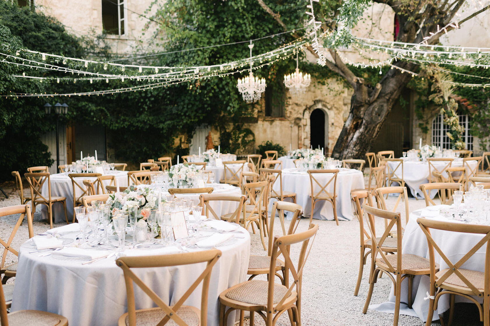 Guide Dream Weddings Provence Et Voila Weddings *Chateau-robernie