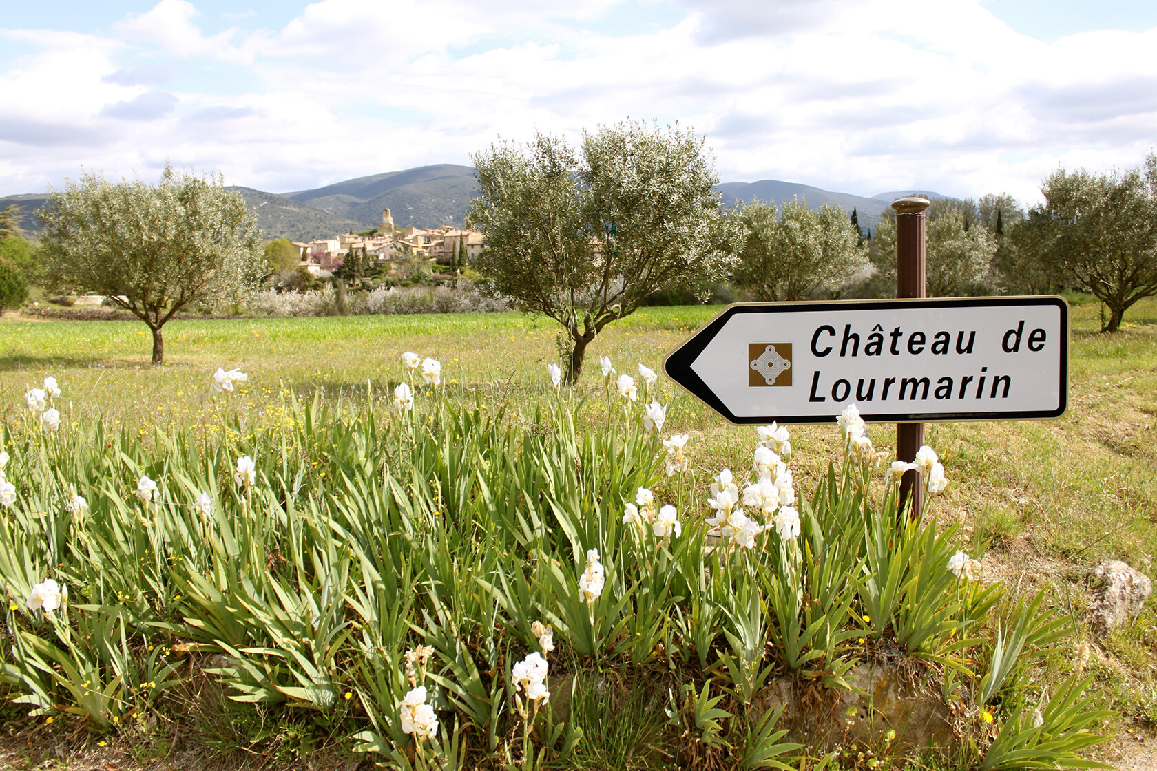 Rent Our Home Provence Lourmarin chateau
