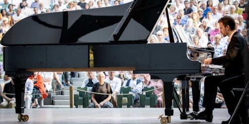 Piano Festival Roque d'Antheron Festival International de Piano