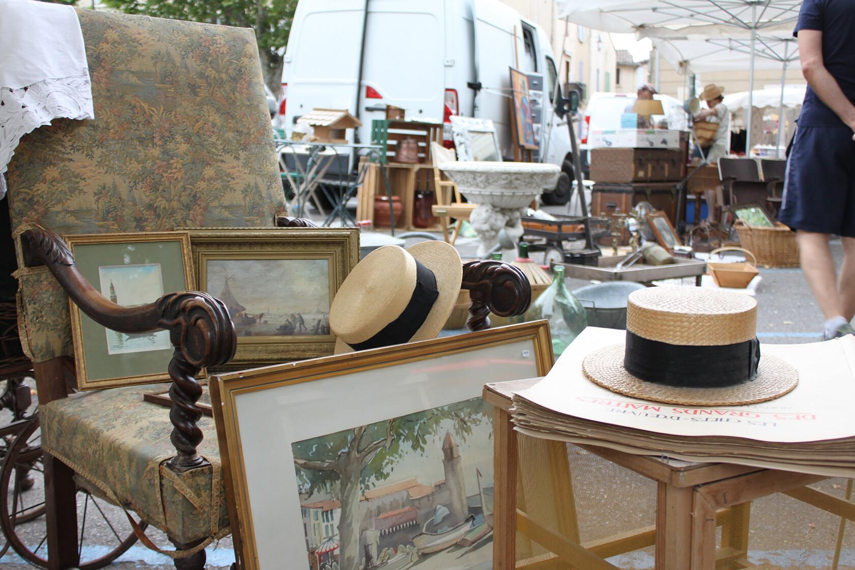Tour d'Aigues vide grenier Provence Rent our Home