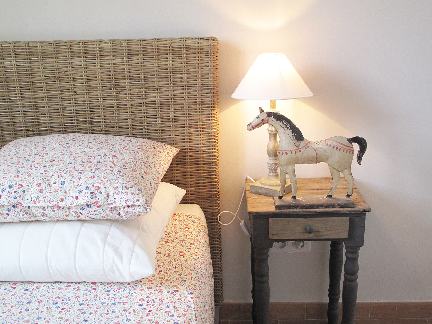 Uzes Holiday Apartment Rental bedroom