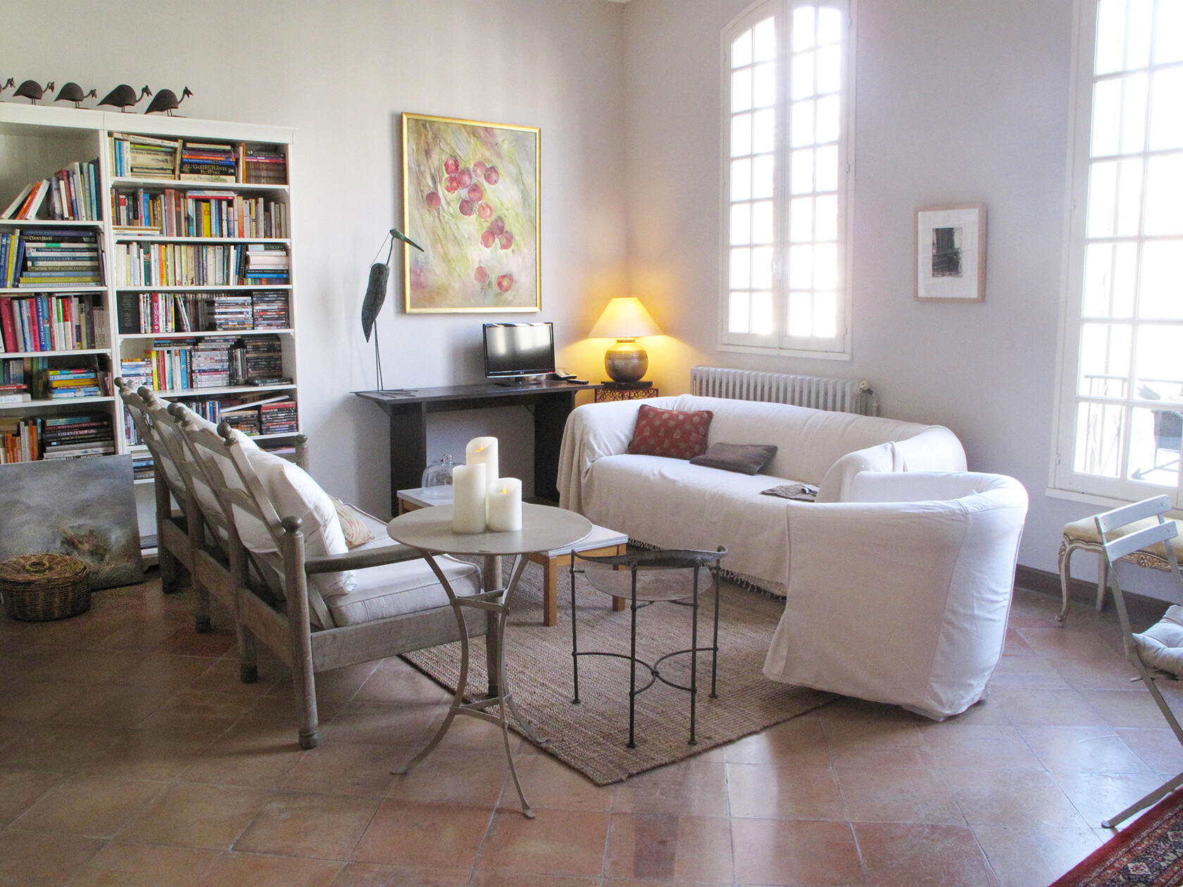 Uzes Holiday Apartment Rental lounge area