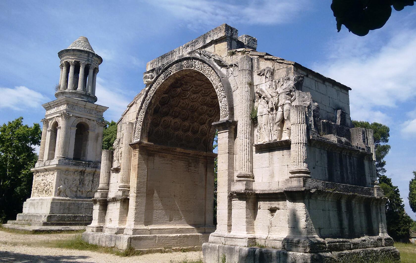 Glanum near St Rémy The Roman mausoleum and triumphant arch Les Antiques