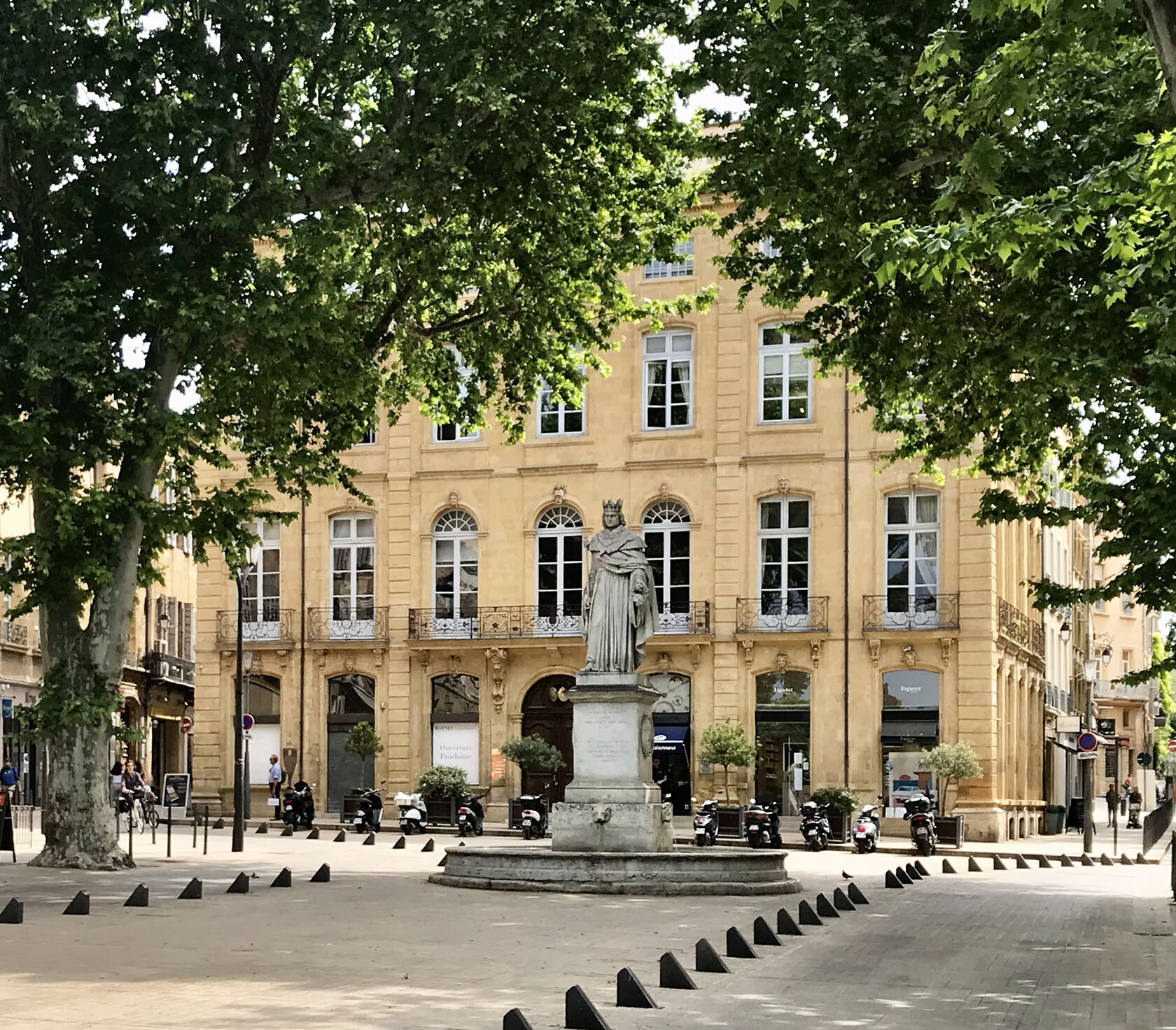 King Rene at the top of the Cours Mirabeau